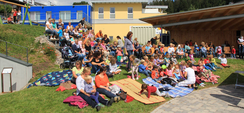 Kinderfest auf dem Rößleplatz in Neukirch
